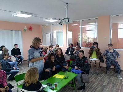 "Интерактивна среща по проект ""Уверени родители-успешни деца"" 6"